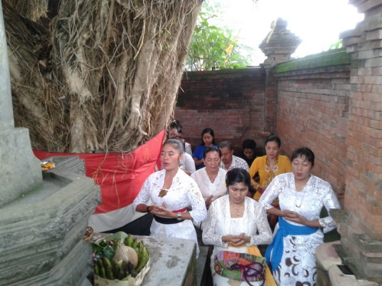 Persembahyangan ring Lingga Yoni Surya Majapahit, Hyang Semar